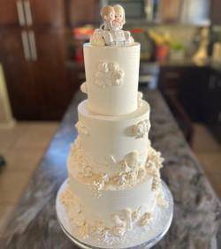 DESERT SCENE WEDDING CAKE