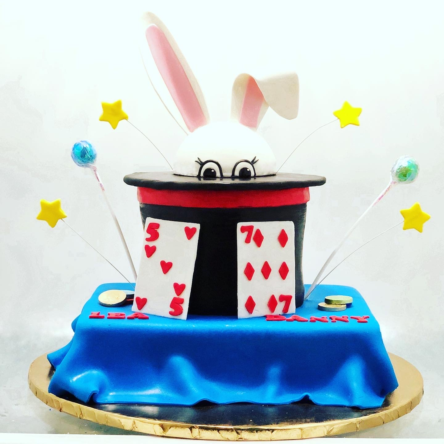 MAGIC BUNNY CAKE