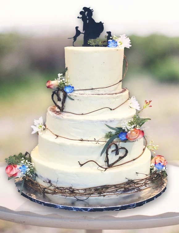 SEMI-FROSTED WEDDING CAKE