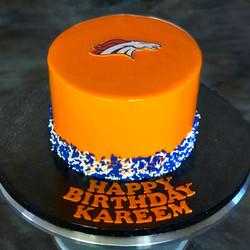MIRROR GLAZE DENVER BRONCOS CAKE