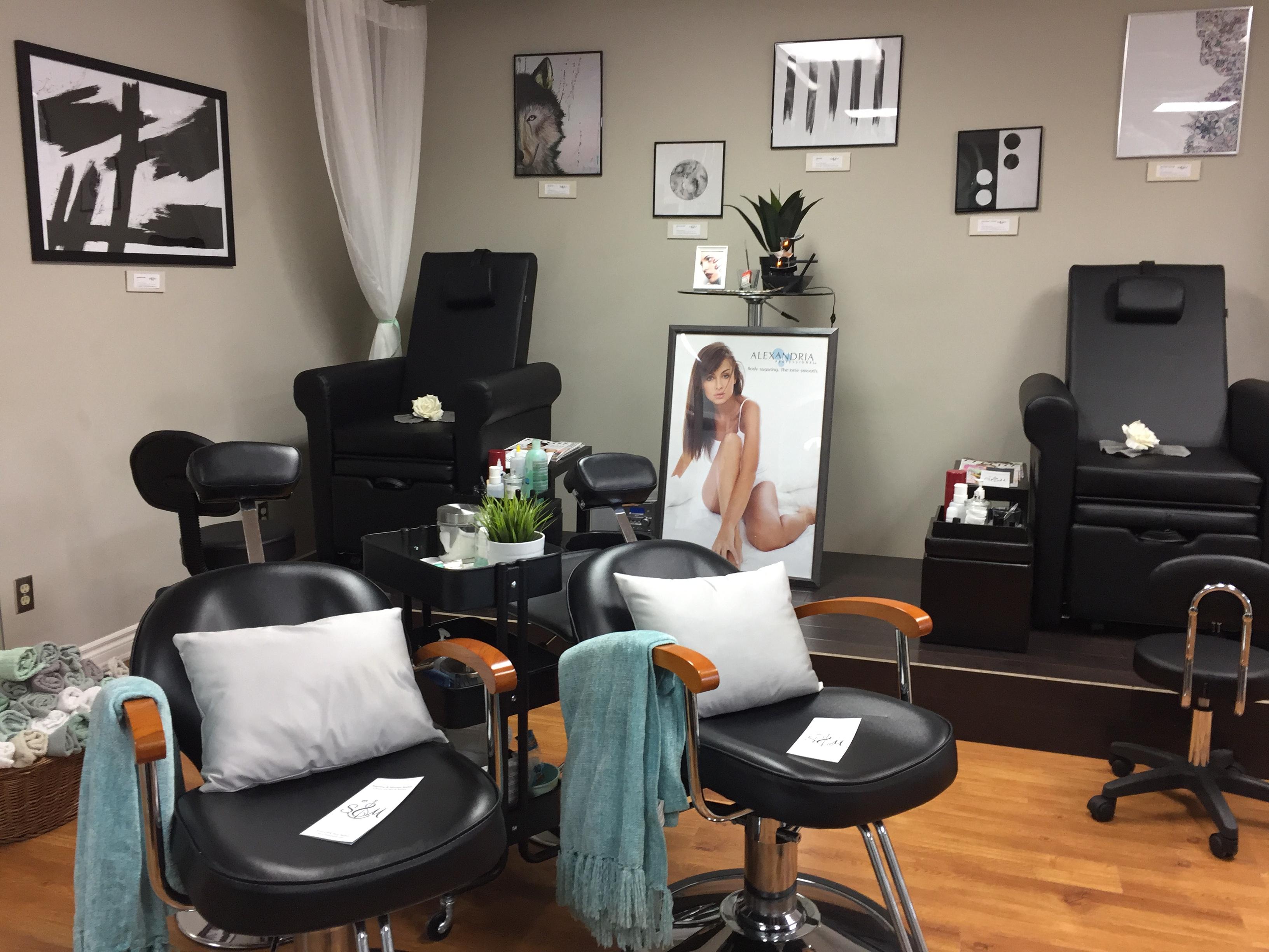 Manicure + Pedicure Station