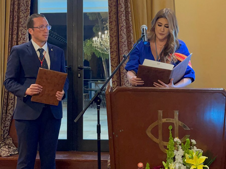 """Dr. von Feigenblatt receives """"Resolution of Honor"""" from the National Assembly of Ecuador"""