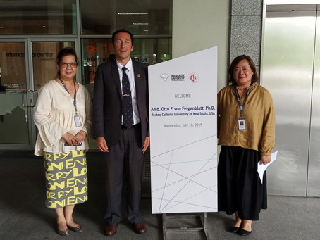 Rector visits Bangkok University, Thailand