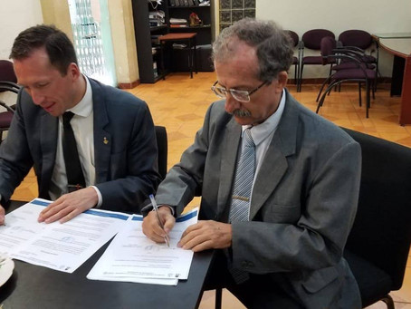 UCNE signed agreement with the Faculty of Philosophy of the University of Guayaquil