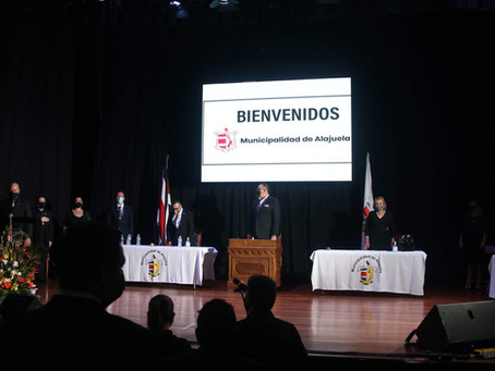 Mayor and Vice Mayor of Alajuela honored by UCNE (Costa Rica)