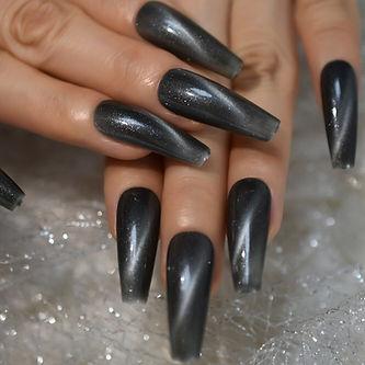 shellie custom nails.jpg