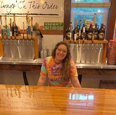 Karissa (Beertender)
