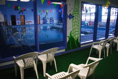 pool_observation_room.jpg