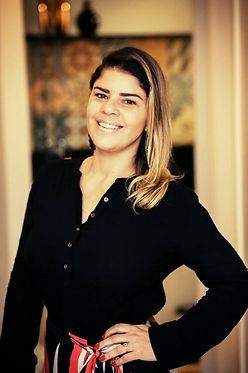 Jornalista Sabrina Ortácio