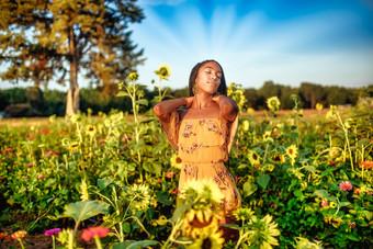 Amerinda_Portraits_Sunflower1552-Edit.jp