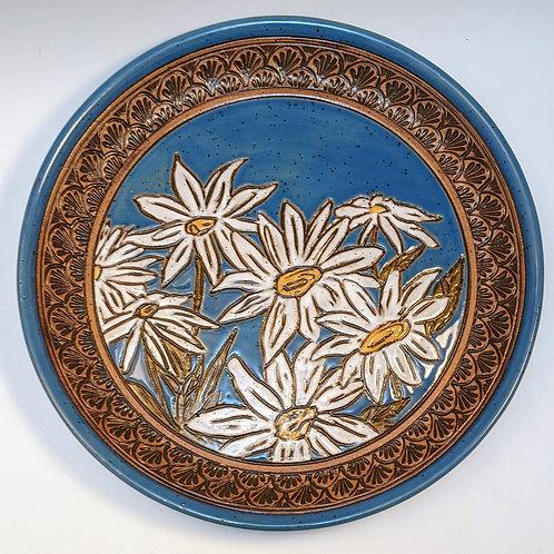 White daisy plate