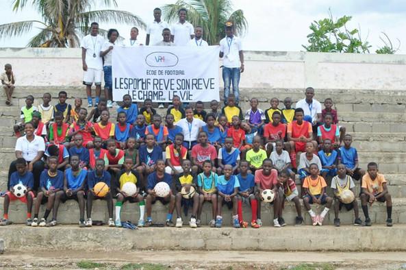 2018 GAHDA Hands up support boys soccer.