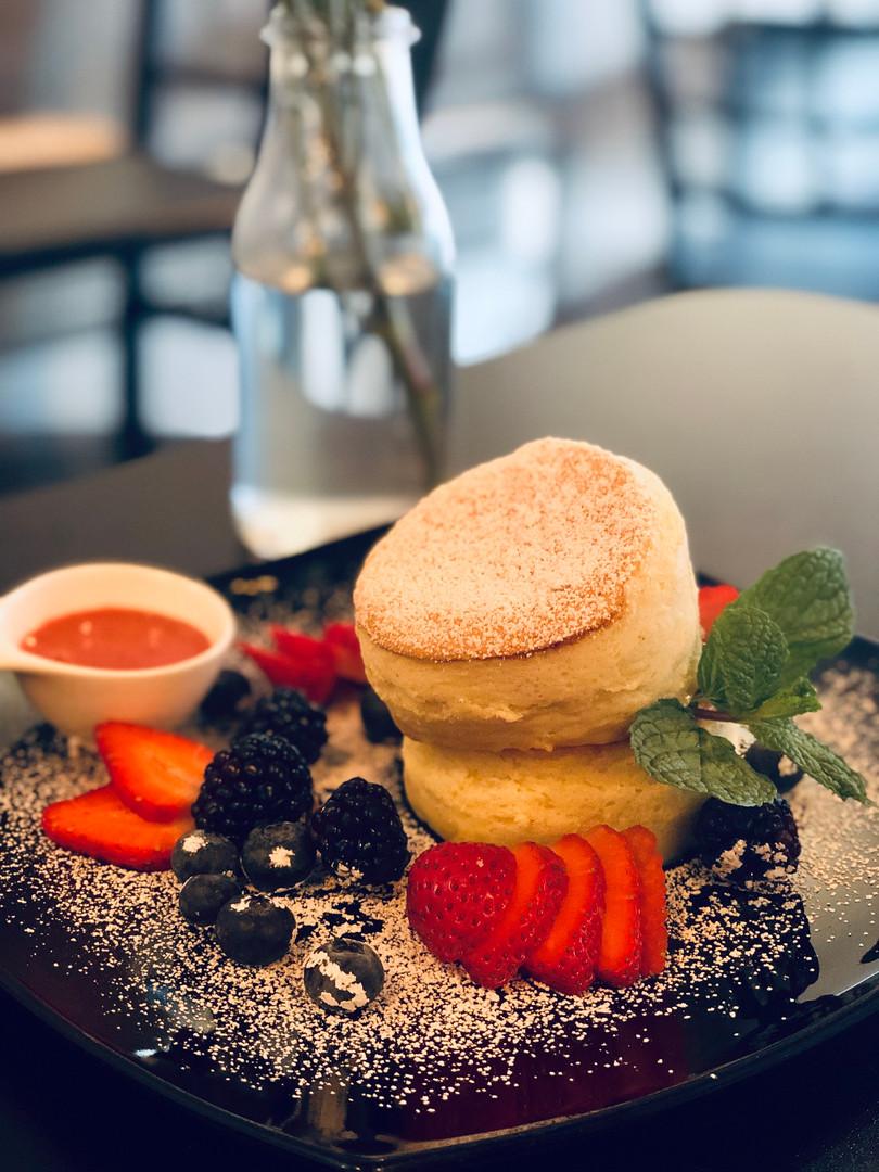 Berry Soufflé Pancake