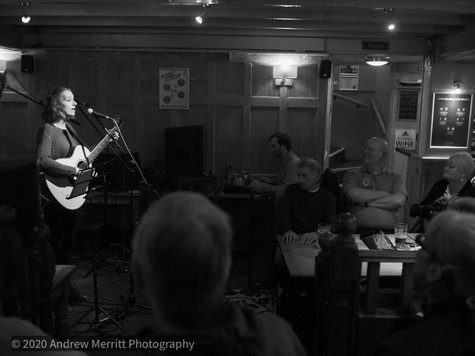 The Acoustic Cafe, The Rose & Crown, Sandhurst - Jan 2020. Photo by Andrew Merritt