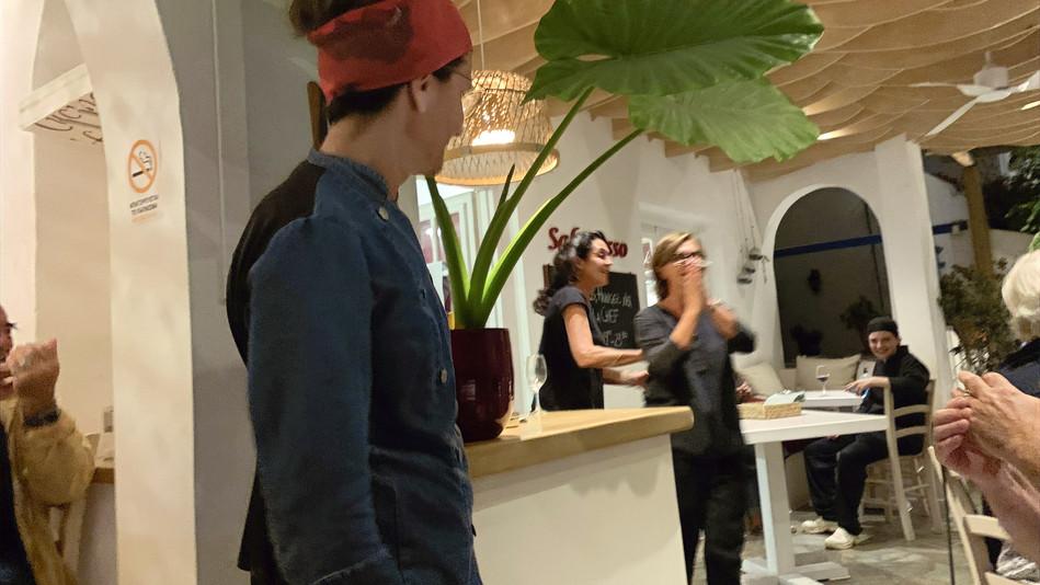 Una serata ad Antiparos, ospiti della festa finale del ristorante il Sale Rosso fine Estate 2021