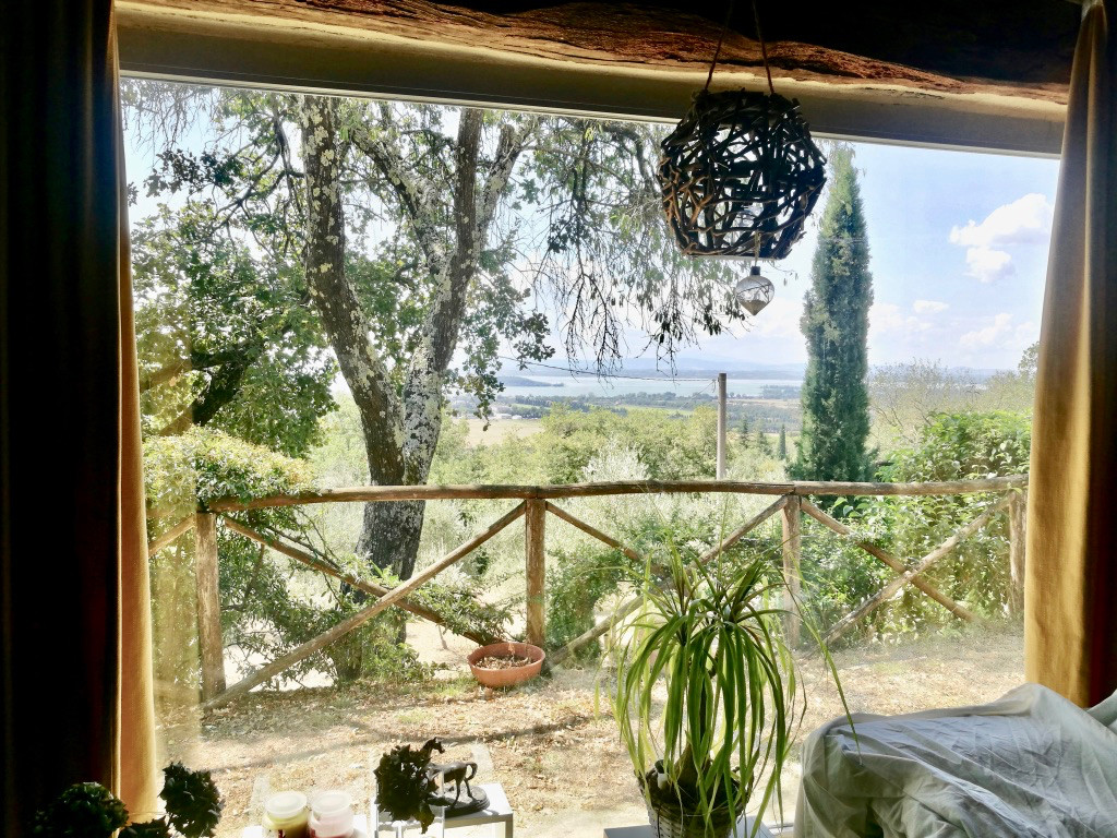 Dependance for two for rental Trasimeno lake view