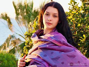 A beautiful young photo model in cyclades islands Greece - Photo by Barbara Iandolo photography - www.barbaraiandolo.com