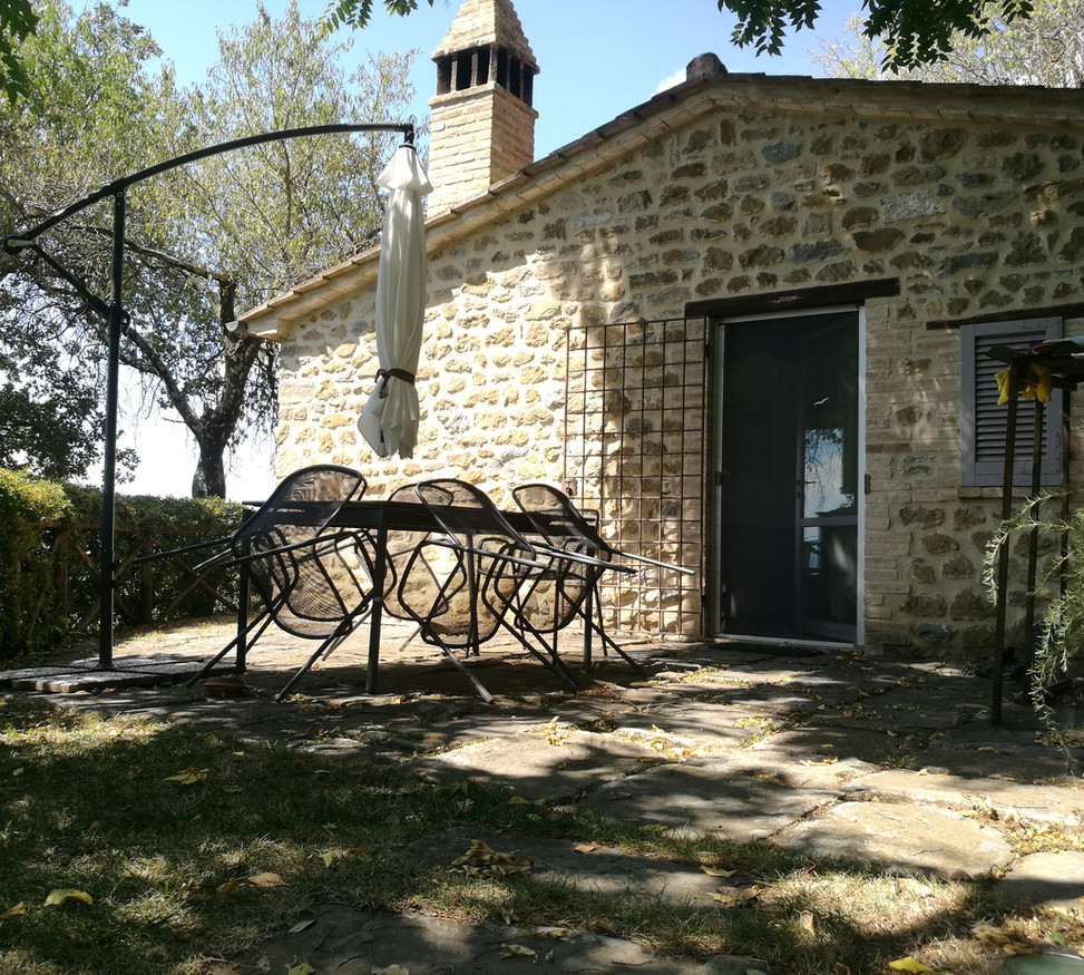 Private dependance in Umbria available for monthly rentals in wintertime