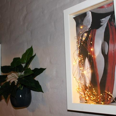 dekorationer i gangen.JPG