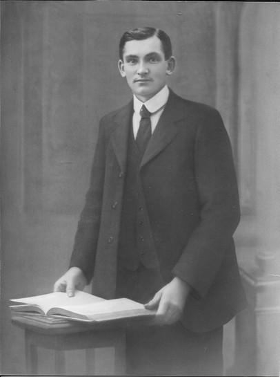 Jacques le morillon decede en 1932 a 42