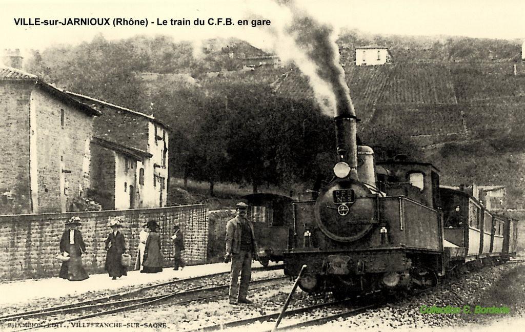 ville sur jarnioux gare train.jpg