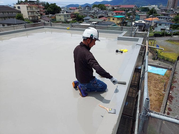 屋上防水工事 熊本県熊本市中央区 ウレタン防水2回目 ペイントデポ