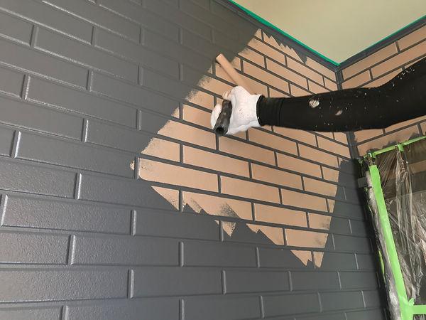 熊本県熊本市西区 外壁塗装工事 施工中(塗装中) ペイントデポ