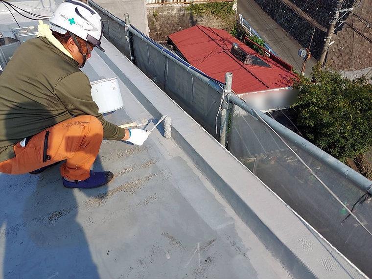 屋上防水工事 熊本県熊本市中央区 ウレタン防水1回目 ペイントデポ