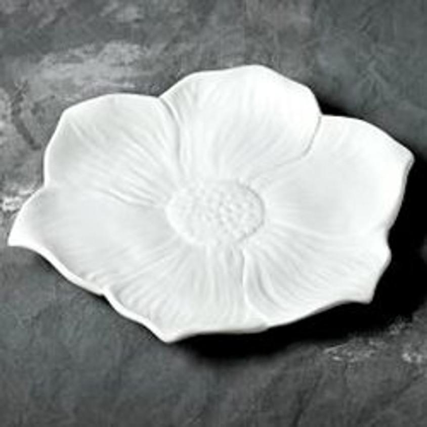 Seasonal Blooms Dinner Plate   (1)