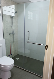 shower glass panel - 1 fix, 1 swing tempered glass shower screen in HDB Singapore