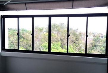6 panel window.JPG