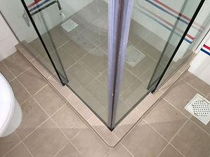 2 fix, 2 slide close frameless showerscr