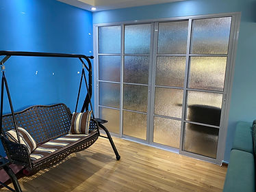 Aluminum sliding door with texture acryl