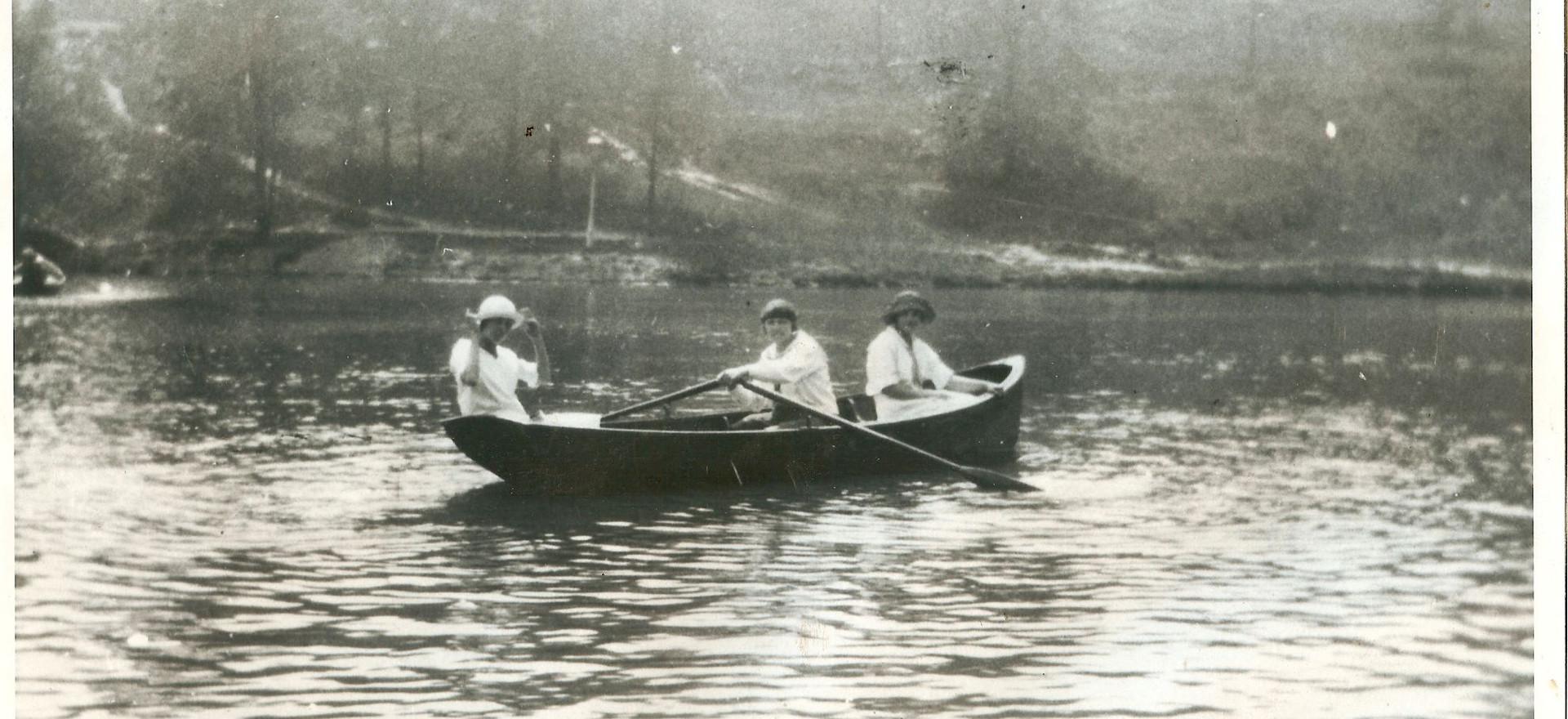 Rowboat Garfied Park.jpg