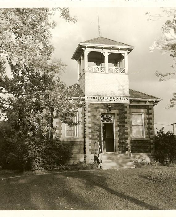 First Town Hall - 1907 - Copy.jpg