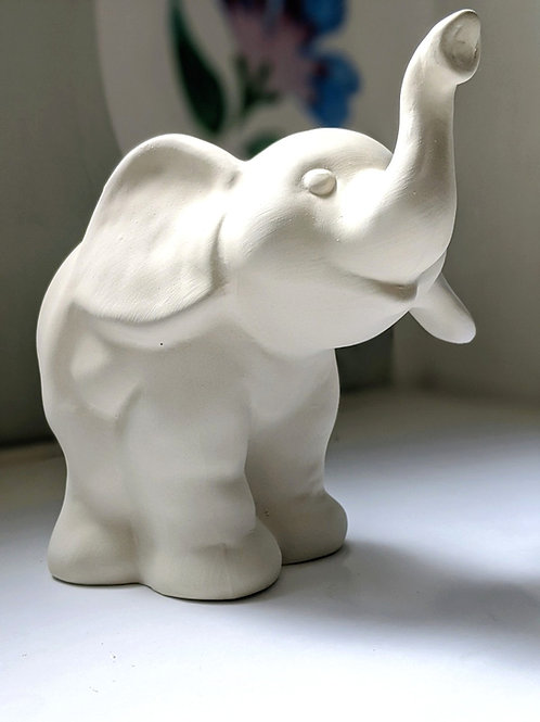 £7.50 ELEPHANT ceramic only