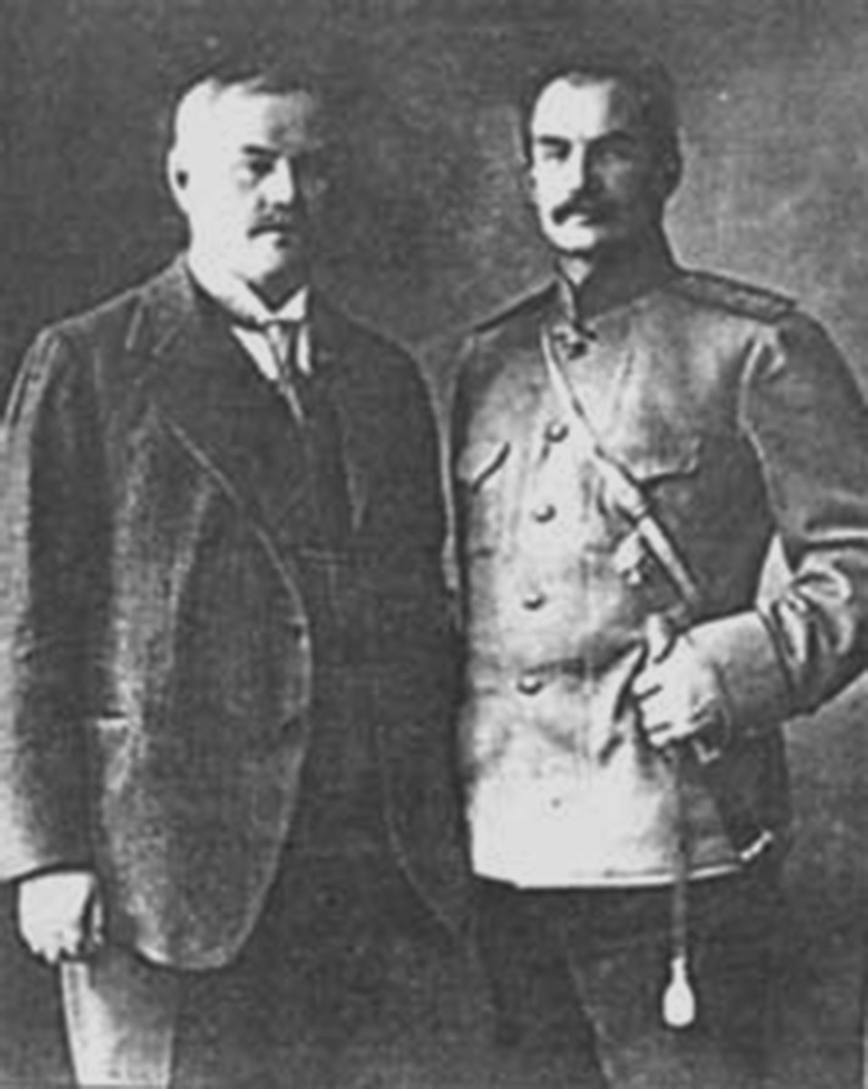 Frydrykh Falts-Fein and the general P.К.Kazlow. Photo from the Internet-site http://www.ohot-prostory.ru.