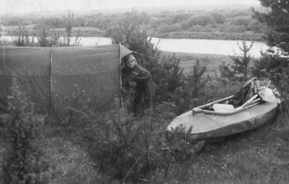 Начоўка ў сутоках Нёмна й Бярэзіны, 1987. На фотаздымке дачка Наташа.