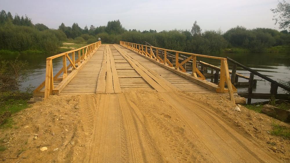 Новы драўняны мост у Дзялятычах, жнівень 2018 году.