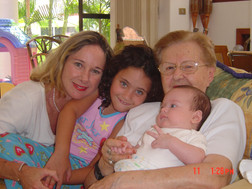 Cucha Romi,Diego,Lulu I 7-04.JPG