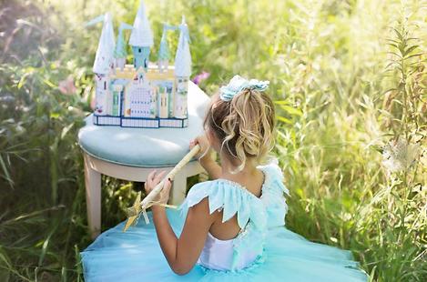 Little Girl Cinderella.png