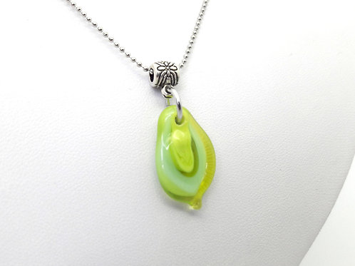 "Petit pendentif ""Larmichette"" vert en verre de Murano"