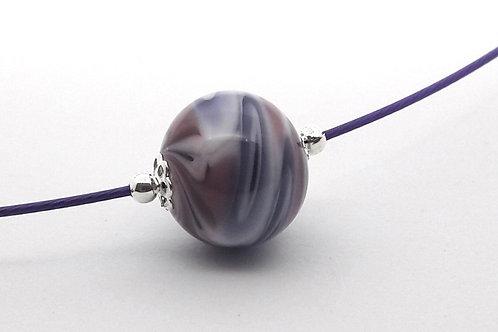 Tour de cou une perle motifs violet et blanc