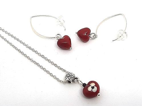 """Parure  """"Petit coeur"""" pendentif et boucles d'oreillesen verre de Murano"""