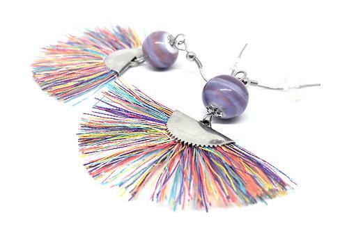 """Boucles d'oreilles """"Dancing queen"""" violet avec pampilles multicolo"""
