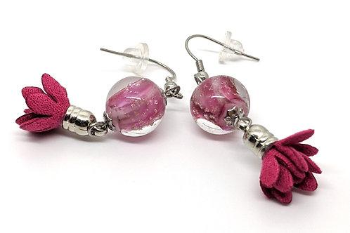 """Boucles d'oreilles """"Weigelia"""" en verre et pampilles roses"""