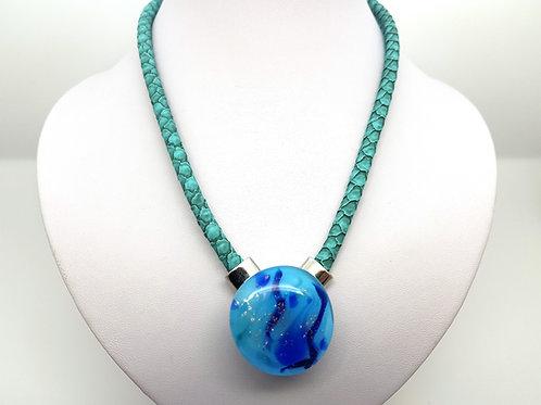 Collier bleu en verre de Murano