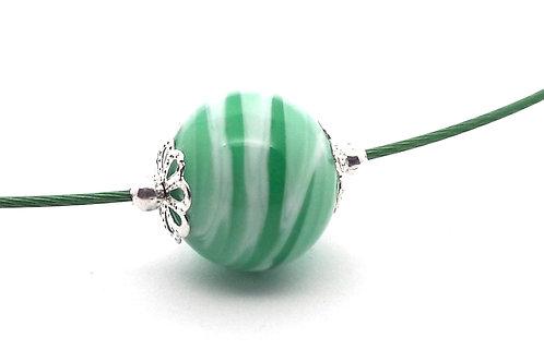 Tour de cou une perle vert et blanc