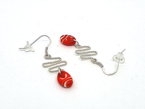 """Boucles d'oreilles """"Couresse"""" en verre de Murano rouge et blanc"""