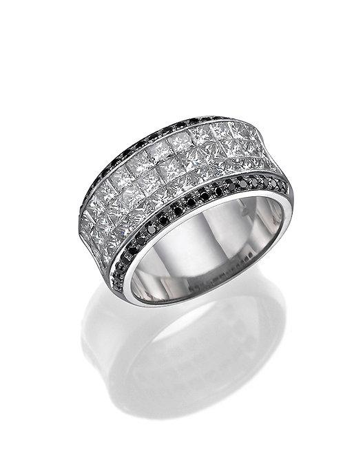 Bridal band, wedding band. wedding ring, anniversary ring. Princess cut diamonds ring